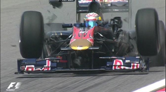 Buemi e a falha catastrófica na suspensão de sua Toro Rosso STR5 em 2010