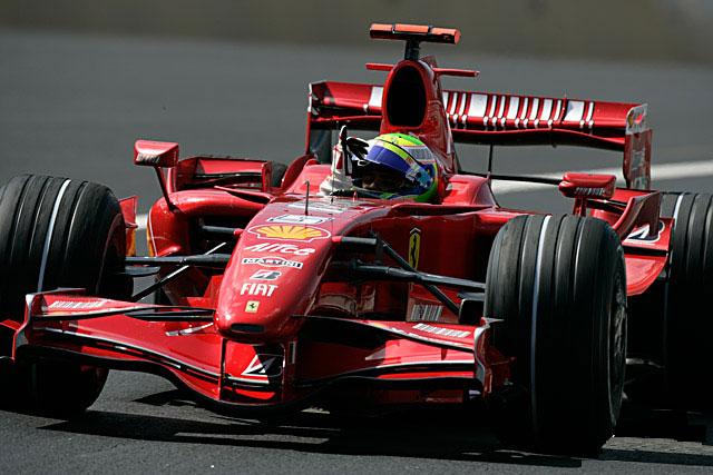 Felipe Massa após vencer o GP da Espanha de 2007, tendo prevalecido sobre Alonso na primeira curva
