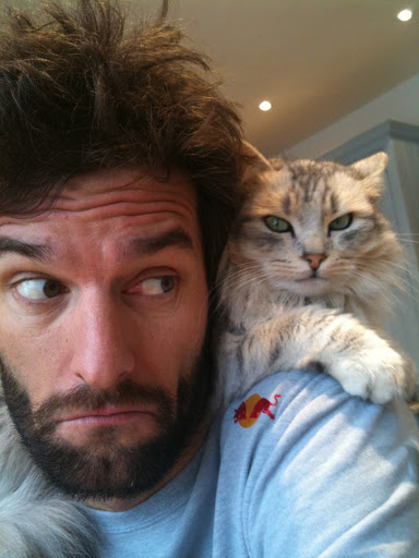 mark_webber_with_cat