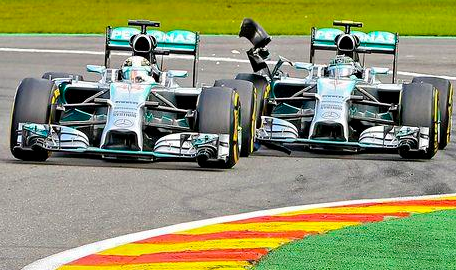 rosberg hamilton spa crash