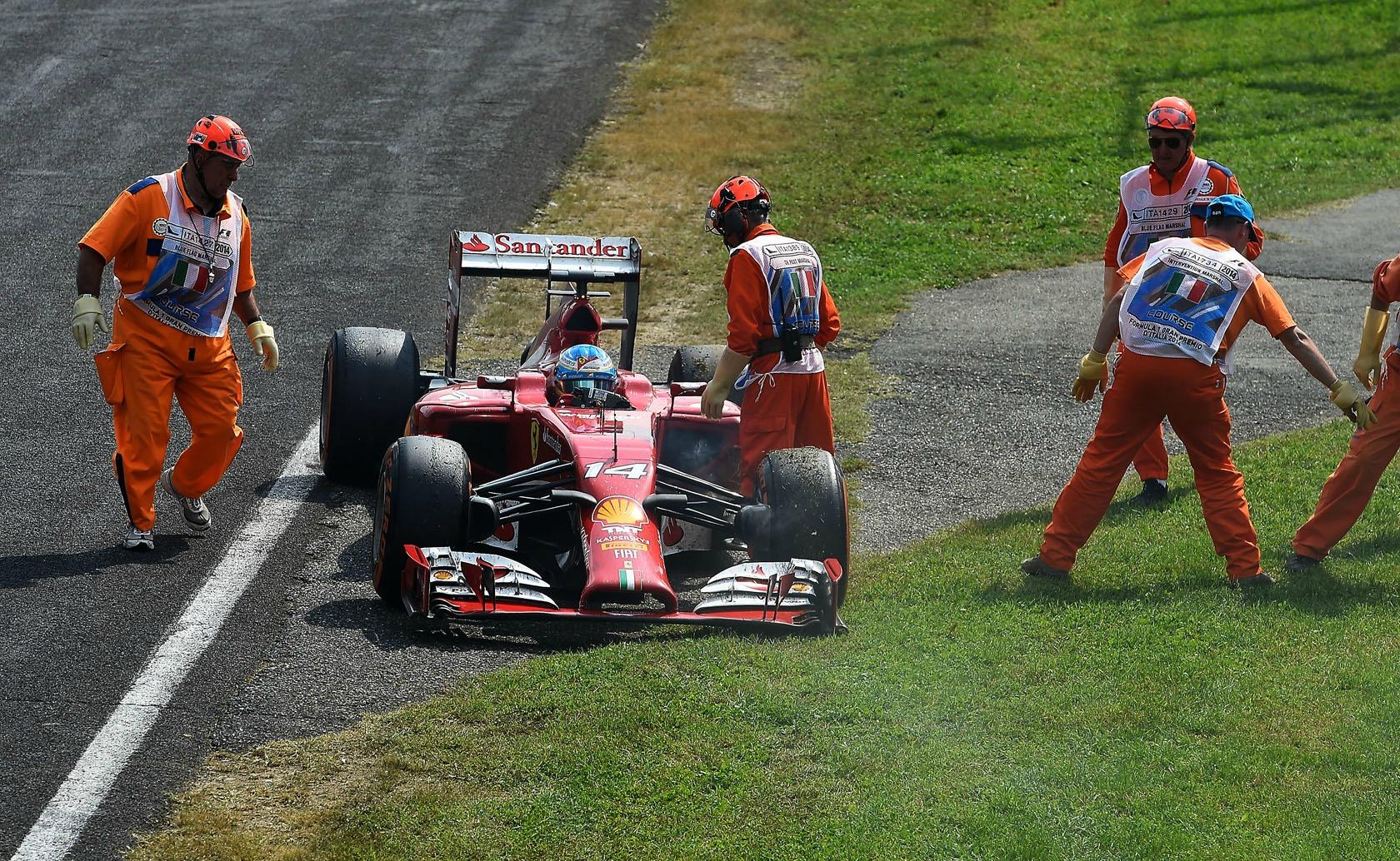 Fernando Alonso teve uma tarde para esquecer em Monza.