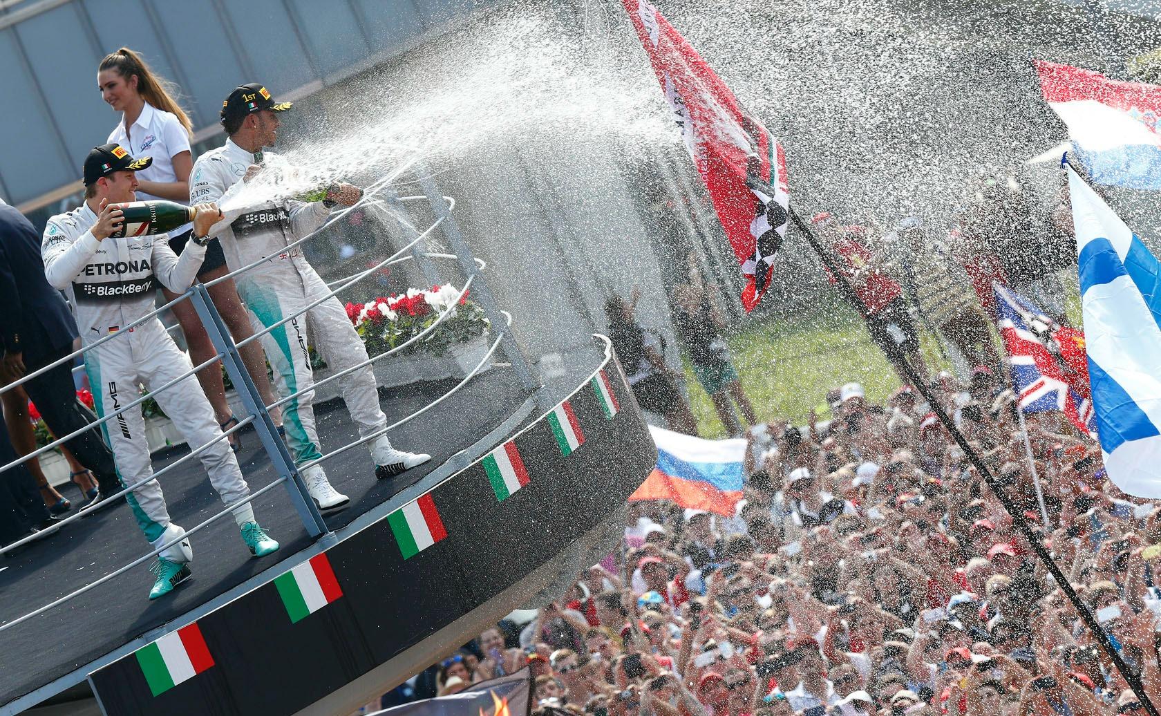 Vitória de Lewis Hamilton parece ter amenizado o clima na Mercedes.