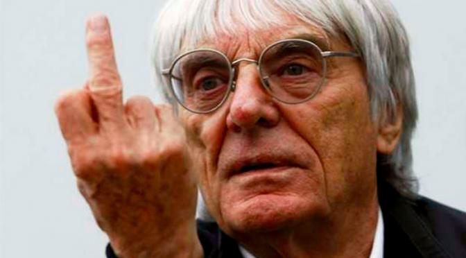 Bernie Ecclestone dedo médio middle finger F1