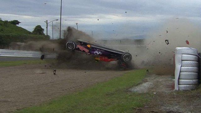 kvyat-crash-suzuka